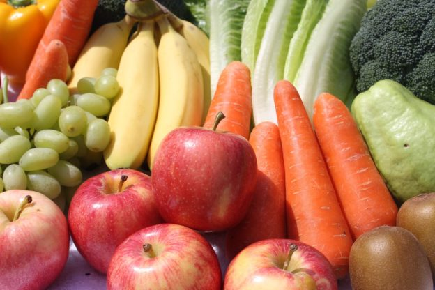 Fiber Rich Foods 624x416 - Fiber-Rich Foods - Fruits And Vegetables - The Protector Of Our Body